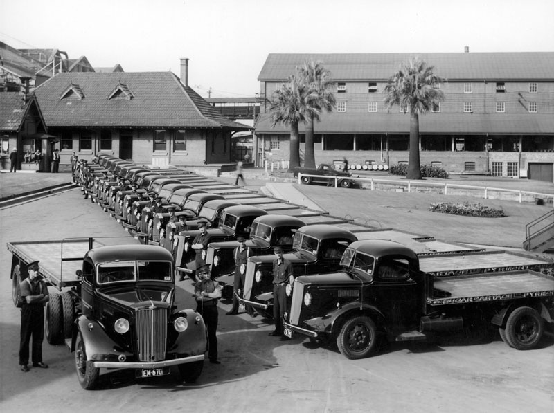 Fleet of Morris Commercial Leader ton lorries for sugar cartage,  1939