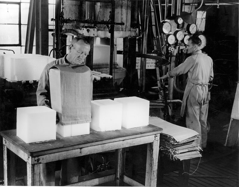 Packing dry ice (solid carbon dioxide), 1947