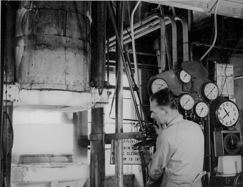 Carbon dioxide (dry ice) compressor, 1947