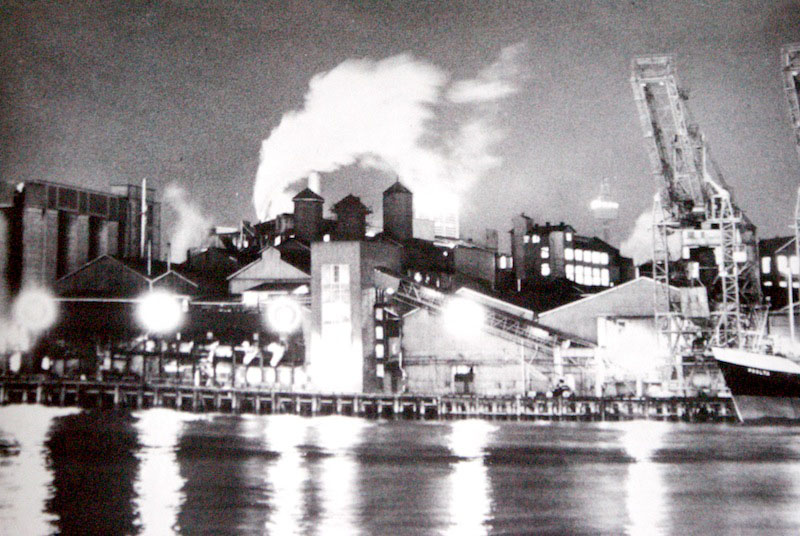 Micky Allan, The factory, from CSR Pyrmont Refinery Centenary 1978 Photography Project.