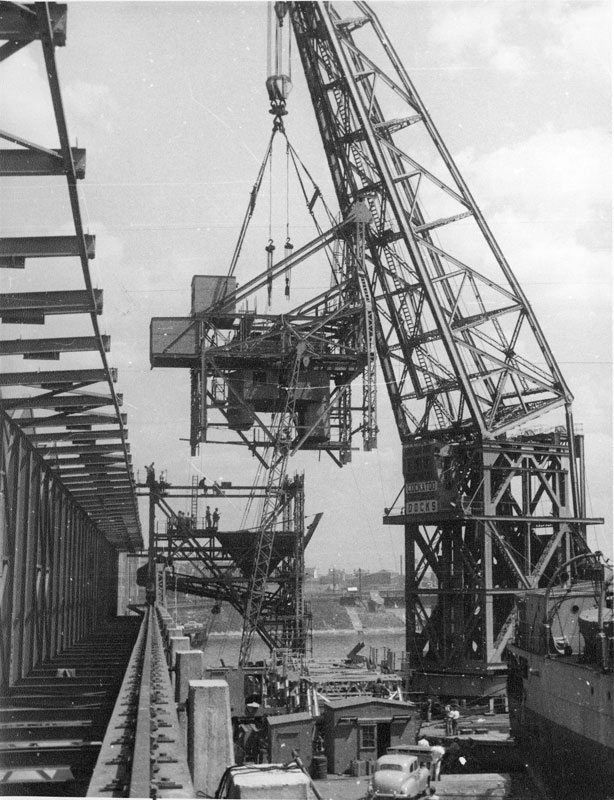 Erection of bulk raw sugar loader at CSR's works, circa 1955